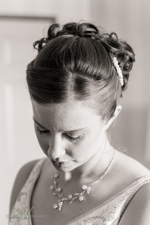 Close up of the beautiful bride - Photography by Danielle Vennard Photographer - In Pursuit of Moments Unrehearsed - daniellevennard.com